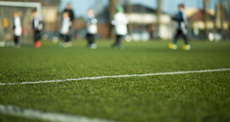 Grama Sintética para Campos de Futebol Society - Renova Grass